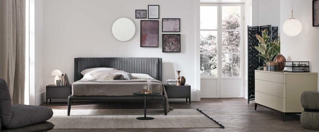 gkrizo krevati me kathetes grammes, velvet headboard high legs bed, small size grey velvet bed, mikro gkrizo monterno krevati,