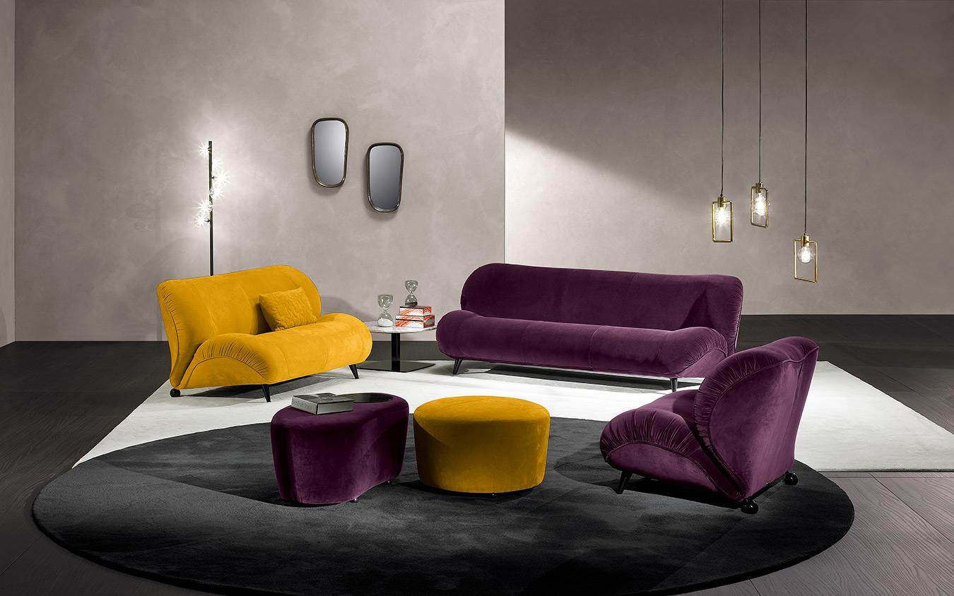 velvet sofas yellow and purple, velvet sofa with armchairs, veloudos kanapes me polithrones me ta puff tous, veloudo kathistiko me mavra podia, black legs velvet living set