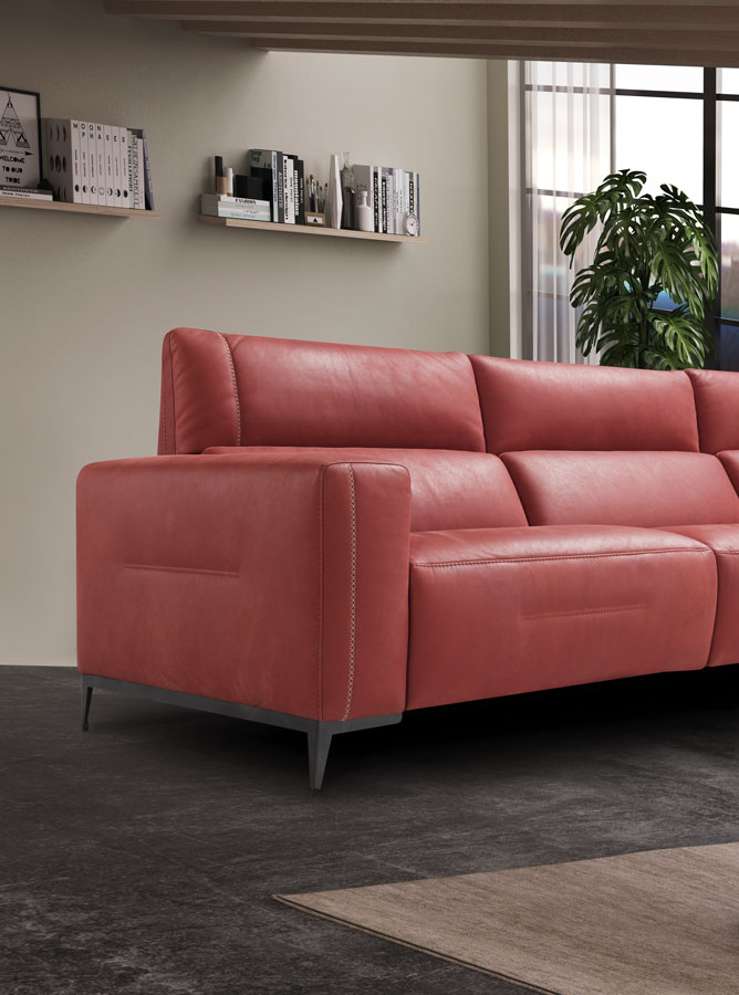 roz kanapes close up with grey legs, low height sofa real leather, faux leather pink sofa, dermatinos kanapes roz me gkriza podia,
