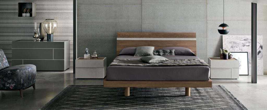 wooden bed with high headboard, 1.50cm, high legs wooden table, krevati xilino gia krevatokamara, krevati mikro me psili kefalaria, small and tiny wooden bed
