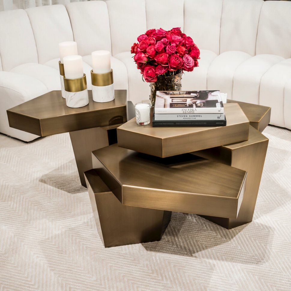 extraordinary gold finish coffee table, extreme style coffee table , monterno kentriko trapezaki,