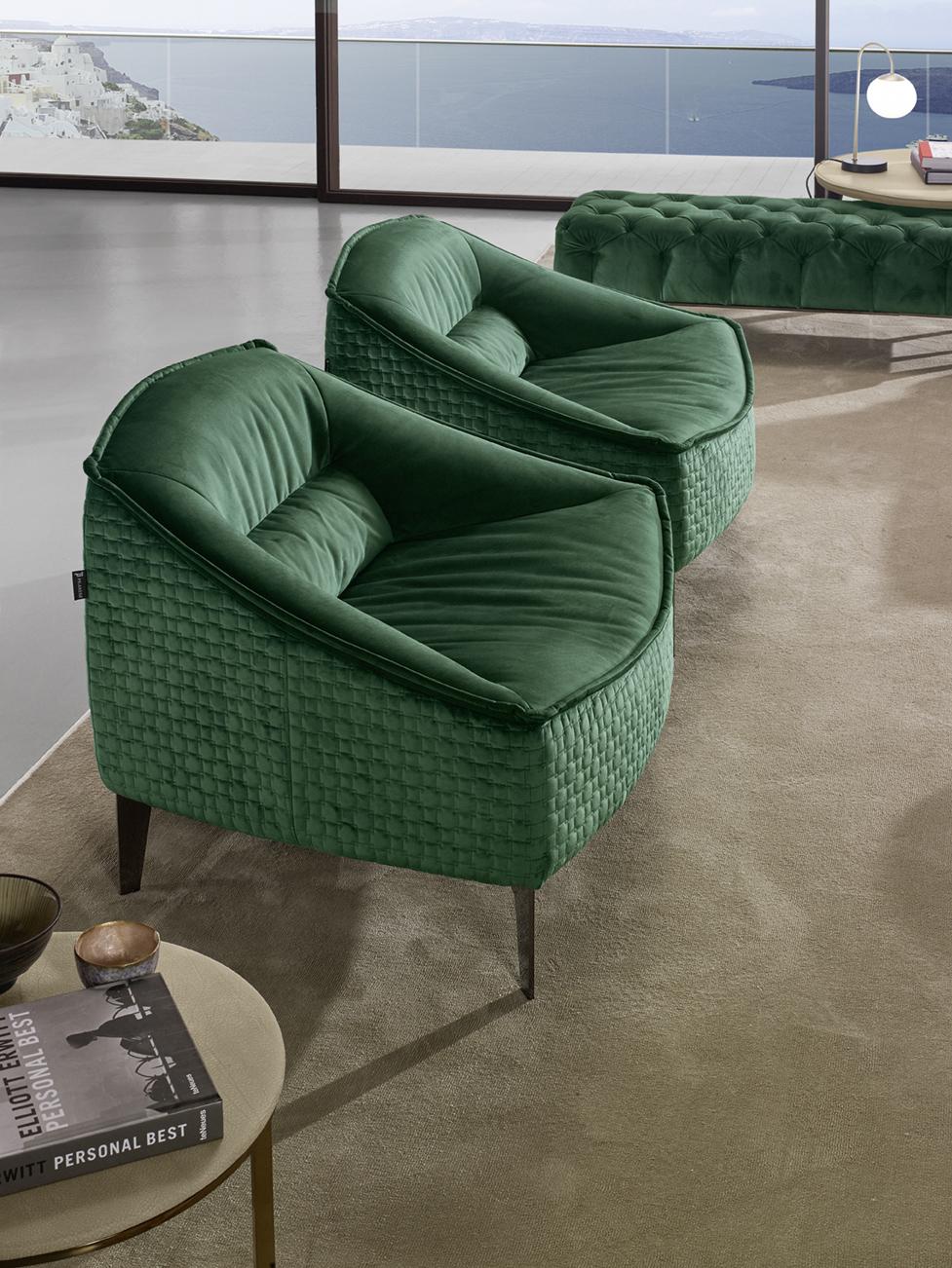 platies prasines veloudes polithrones, wide petrol armchairs with wooden legs, veloudines prasines polithrones luxury,