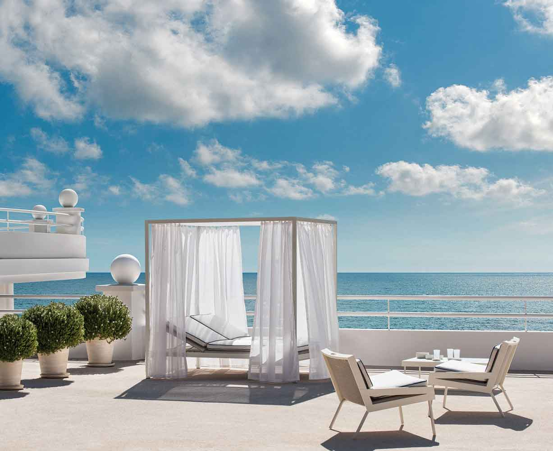 outdoor sunbed, bed for outdoor, krevataki diplo exoterikou xorou, curtained double sunbed, outdoor double bed, aluminium outdoor sunbed, diplo krevati exoterikou xorou