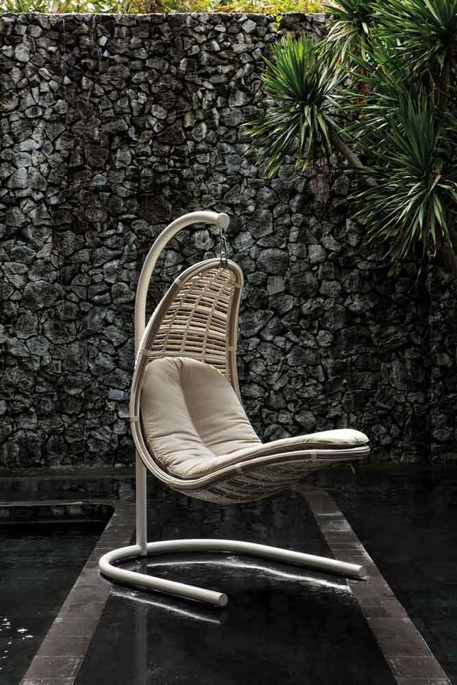 Swing chair, kremasmeni karekla, aioroumeni karekla, moving chair, kinoumeni karekla, outdoor chair, karekla exoterikou xorou, hanging chair, Rattan for outdoor, aluminium hanging chair, hanging chair