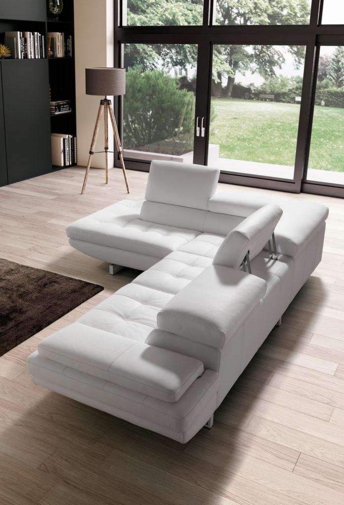 white leather wide sofa bed with adjustable neck, sofa bed leather white, aspros kanapes krevati pou allazis ti stasi tou laimou eki pou to thes, kanapes me asimenia podia,