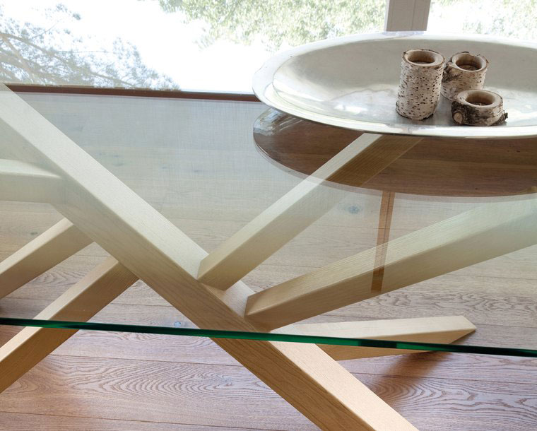 table, modern table, glass table, trapezi, kitchen table, andreotti, andreotti furniture, epipla, furniture, limassol, cyprus
