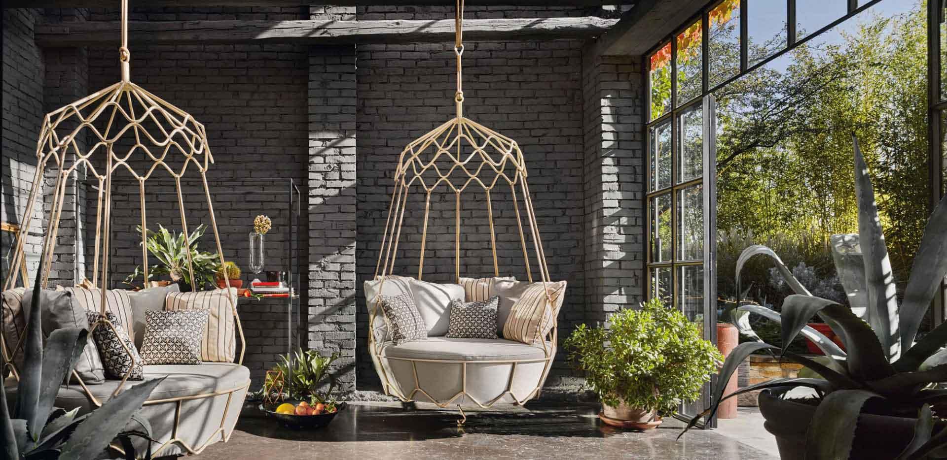 modern and stylish hanging chair, swing chair, rope chair, kremasti karekla, kinoumeni karekla, karekla tavaniou, karekla me sxoinia, kremamameni polithrona, polithrona kremasti, rope hanging swing chair,