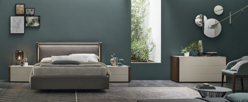 small size bed for indoor use, 1.50cm bed, high headboard double bed, krevati me psili kefalaria, krevati mono me psili kefalaria, velvet gkrizo krevati, grey velvet bed, elegant bed
