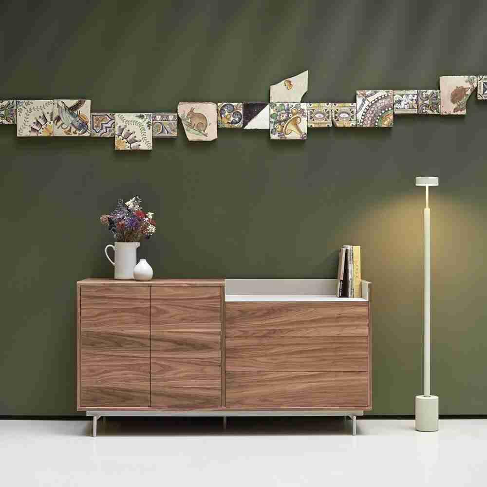 konsola lemesos, wooden, silver legs, console limassol, ksilini, asimenia podia, konsola wood , andreotti, furniture, cyprus, limassol, epipla