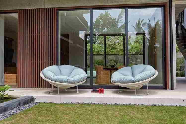 armchair, polithrona, blue armchair, modern, garden furniture deliver to ammoxostos, andreotti, furniture, cyprus, limassol, epipla