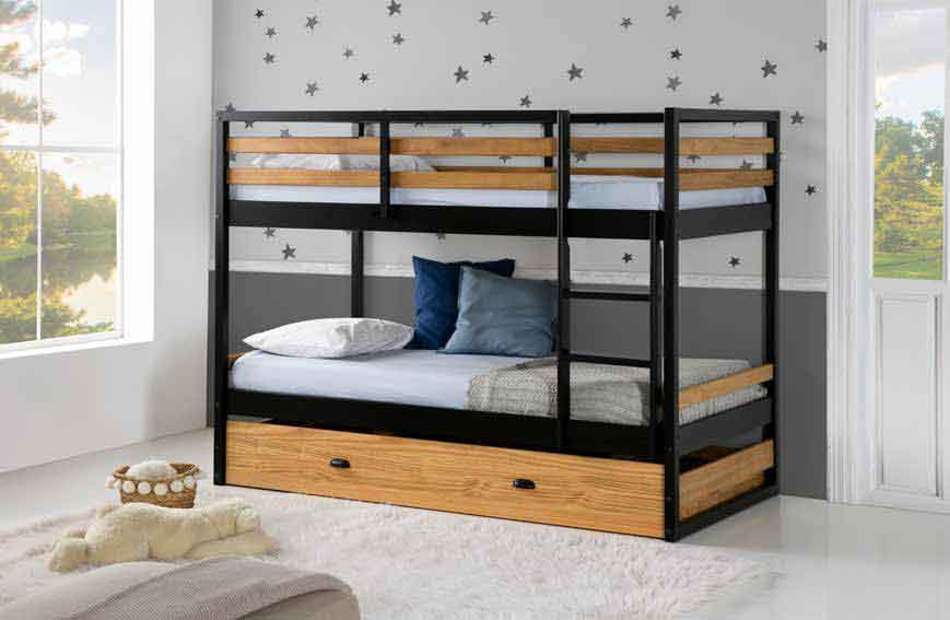 single bunk bed for small size bedrooms, wooden with black bunk bed one on the top and one at the bottom, extra extendable mattress on the bottom of the two, xilino me mavro pano kato krevati kai me exta stroma apo kato,