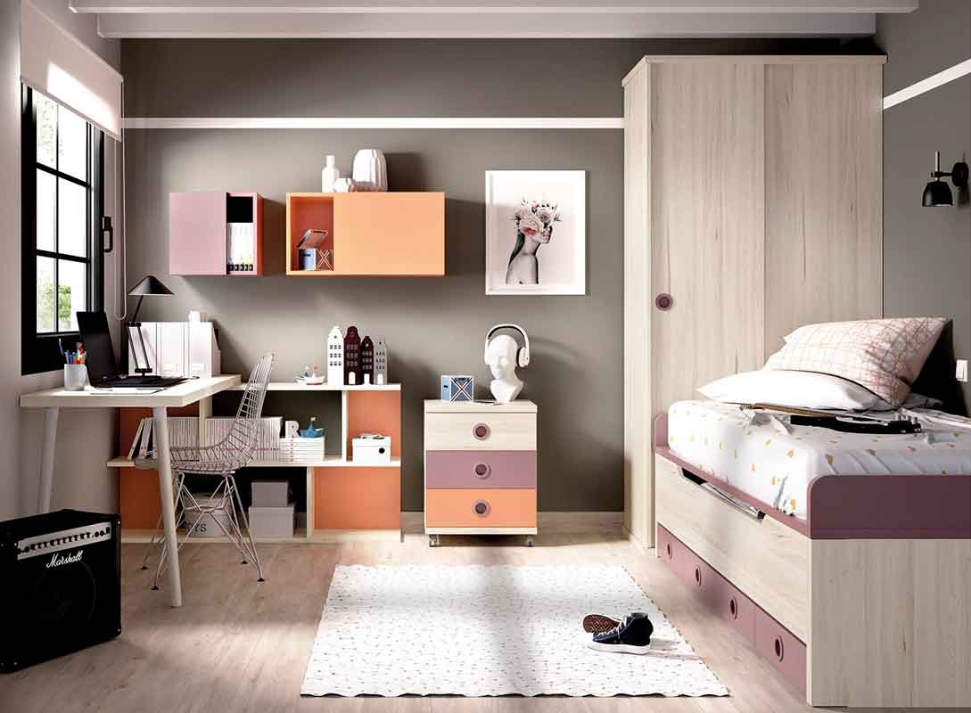 pink bed with extendable mattress on the bottom, girly bedroom, white wooden desk, wooden with pink details bed, krevati koritsiou me roz xromatismous kai sirtarakia,