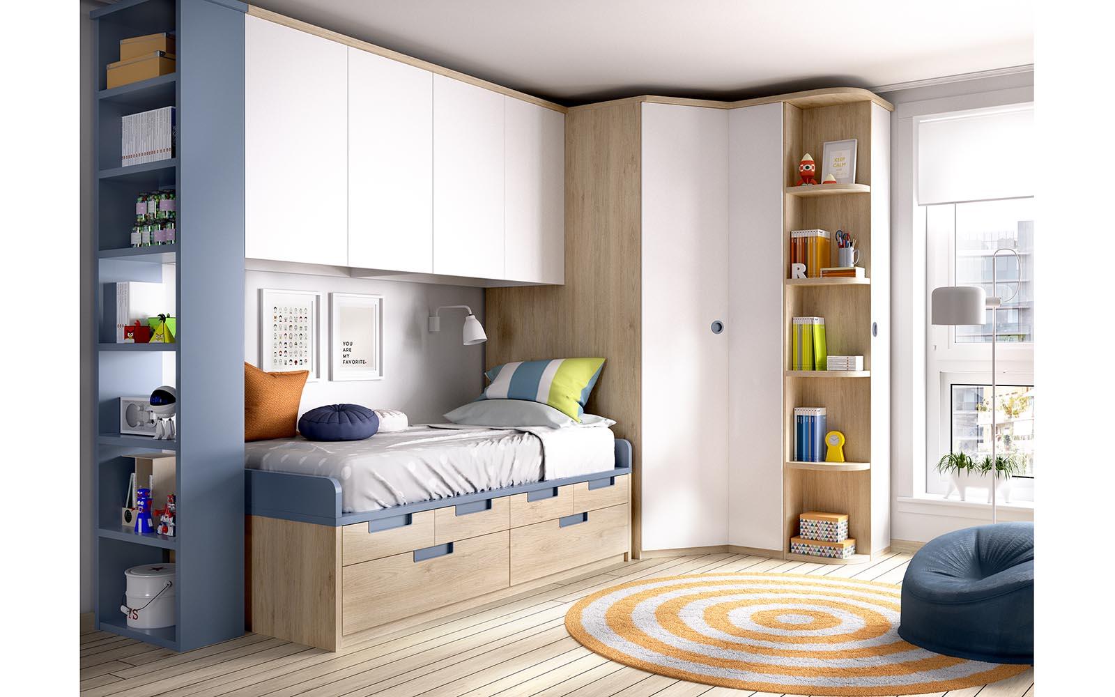 wooden kids bed with blue details, boy bedroom, krevati xilino me mple leptomeries kai ermarakia sto kato meros tou krevatiou