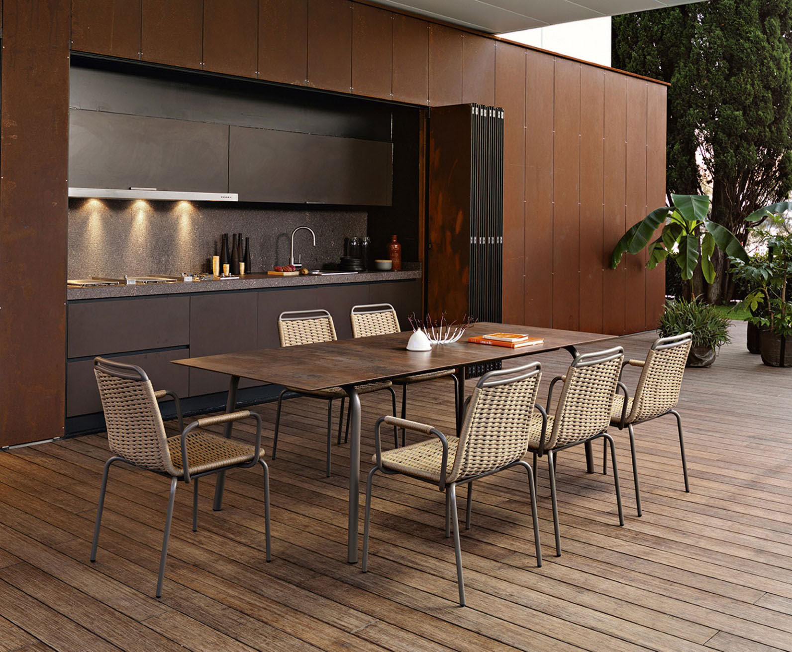 dinning set for outdoor use, outdoor wooden table with chairs, walnut table for outdoor use, high resistance to sun and water outdoor table, dinning set, trapezi me karekles gia exoteriko xoro, karekles me trapezi megalo exoterikou xorou