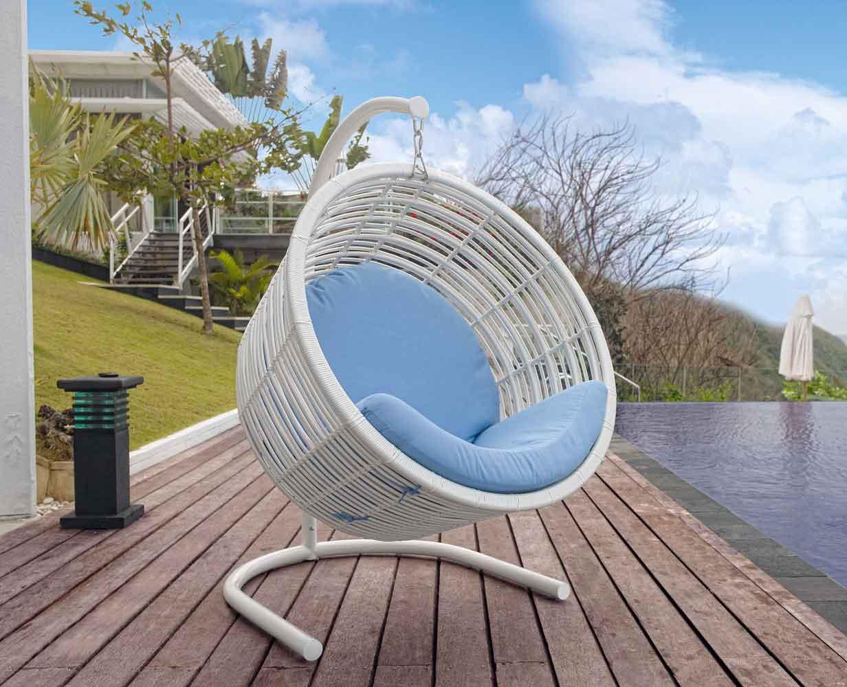 swing chair, hanging chair, rattan kremasmeni karekla, aioroumeni karekla, karekla kremasmeni se vasi, aluminium hanging chair, white stylish hangung chair comfy with big wide cushions