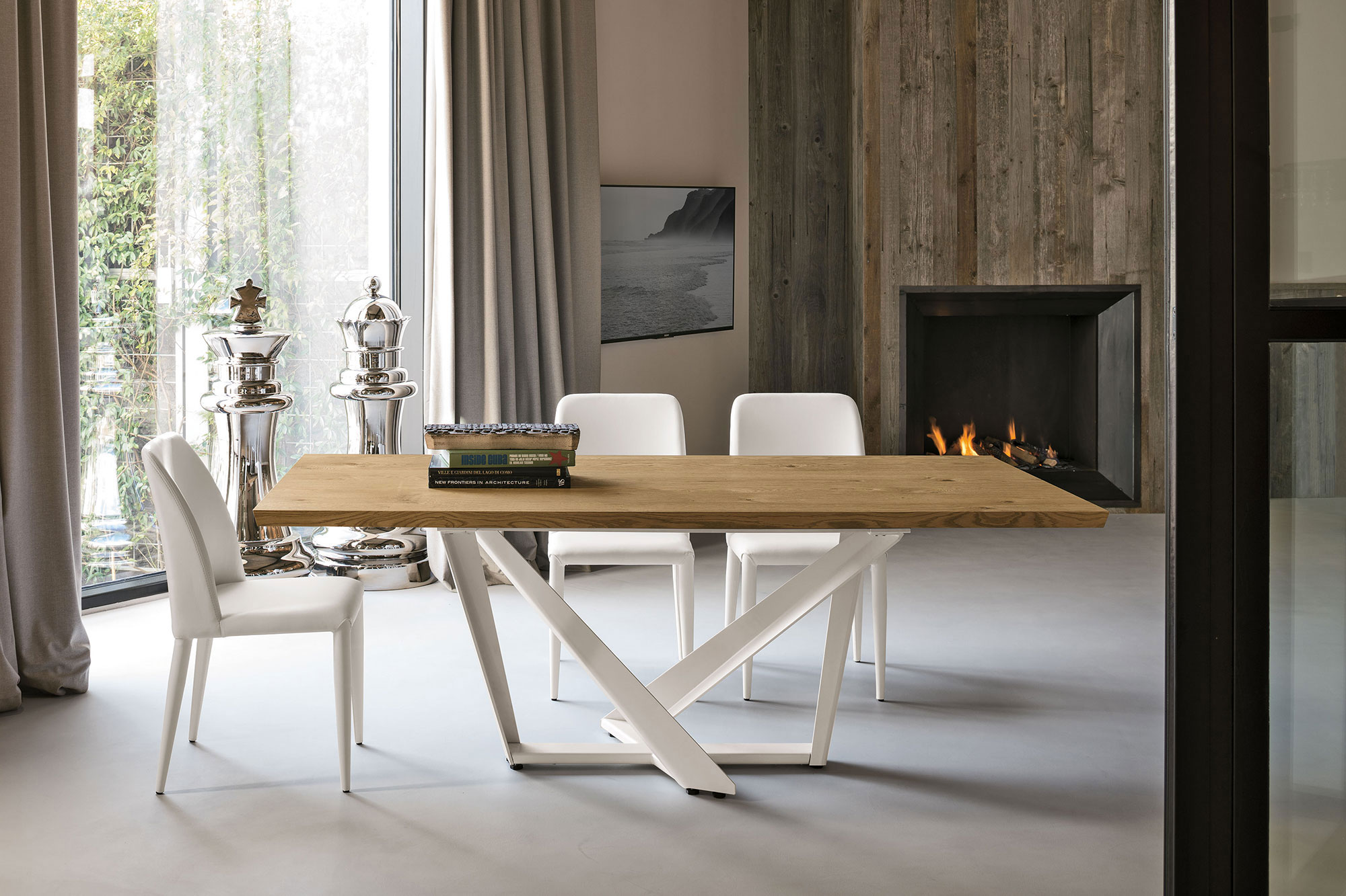 table, modern table, wooden table, trapezi, chairs, white chairs, karekles, accessories, dining table, kitchen table, andreotti, andreotti furniture, epipla, furniture, limassol, cyprus