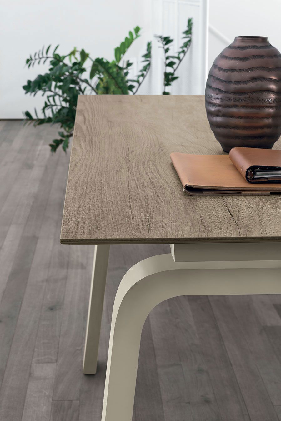 table, modern table, wooden table, white legs, trapezi, accessories, dining table, kitchen table, andreotti, andreotti furniture, epipla, furniture, limassol, cyprus