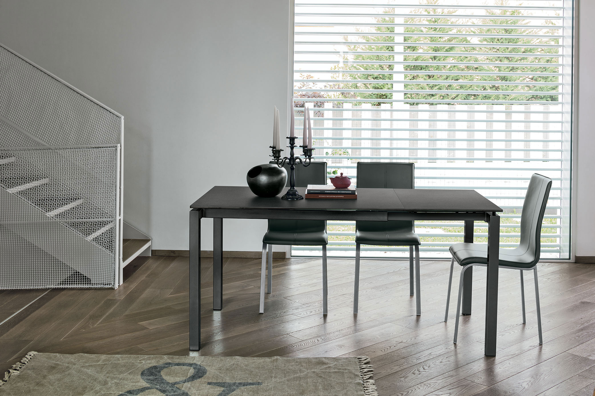table, modern table, black table, trapezi, chairs, black chairs, karekles, dining table, kitchen table, andreotti, andreotti furniture, epipla, furniture, limassol, cyprus