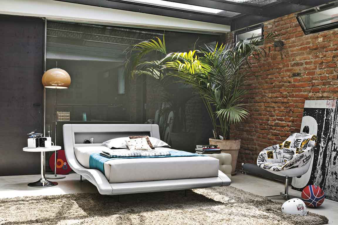 white modern stylish bed, curved white leather bed, stylish comfy white bed, high leg white leather bed, black legs bed, monterno aspro krevati, 1.80cm, 1.60cm ,
